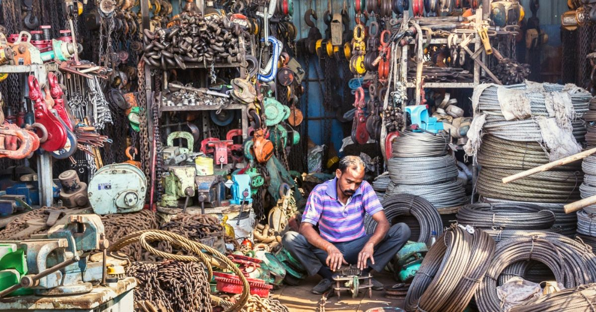 DIY Heaven: Unique Curio Market in Gujarat Gives New Life to Old Ship Goods!