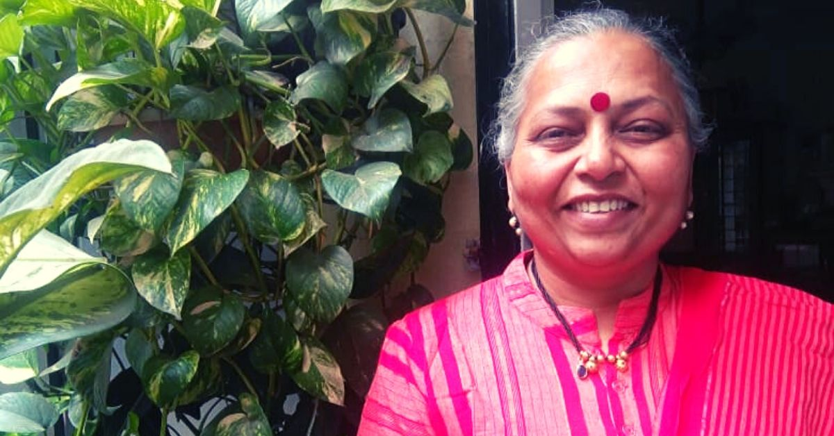 Give This Pune Woman Old Clothes & She'll Give Upcycled Bags, Blankets in Return!