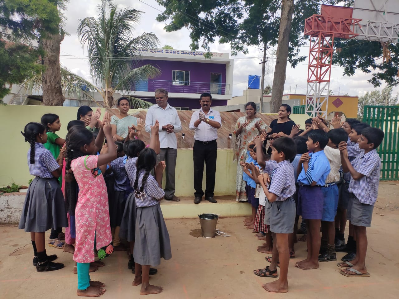 How Can 90,000 Kids Keep Clean and Study Well? This NGO Makes It Happen Every Day
