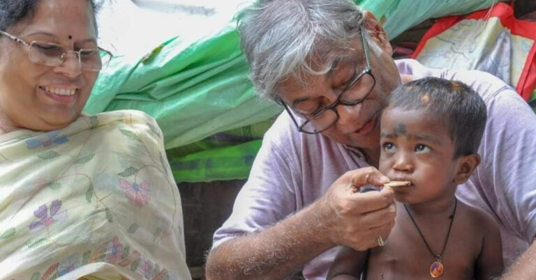 70-YO TB Survivor Is Out on Kolkata Streets Daily, Ensuring No One Goes Hungry