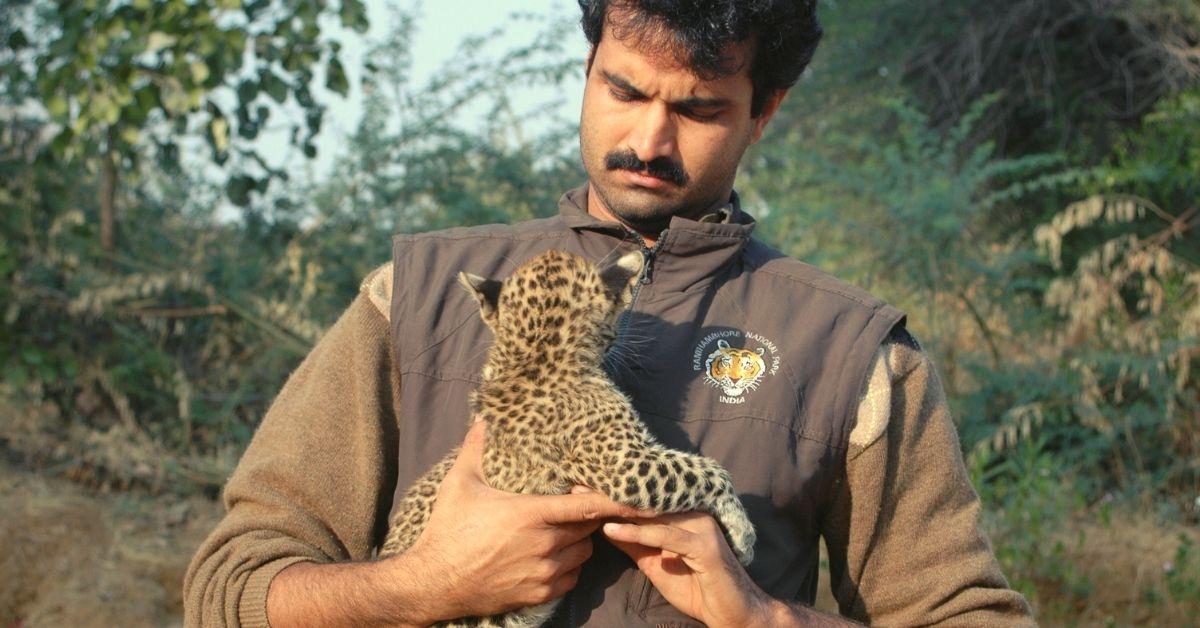 Rajasthan Man Rode Over 1,200 Km to Save Endangered Vultures & Tigers!