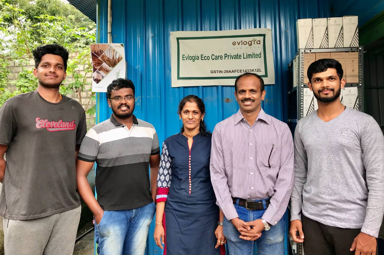 Bengaluru Startup is Making 10,000 Straws a Day, All From Fallen Coconut Leaves