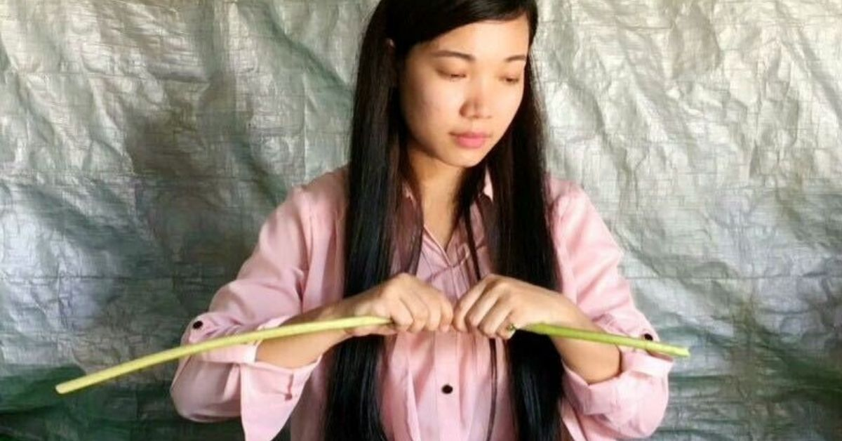 Manipur Woman Masters Rare Skill of Extracting Lotus Fibre to Weave Unique Scarves