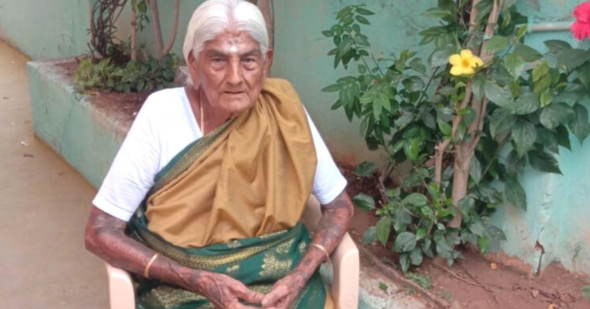 105-YO Grandma Runs Her Own Organic Farm, Shows That Age Is No Barrier!