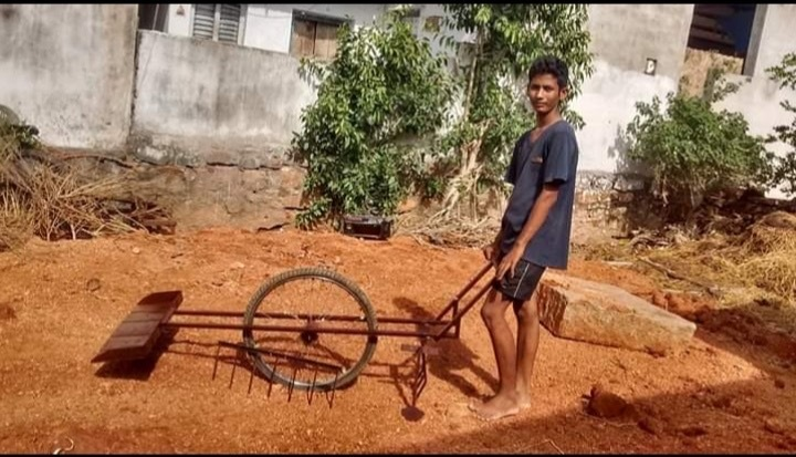 17-YO Telangana Village Boy Crafts Low-Cost Tools From Scrap, Helps 17 Farmers